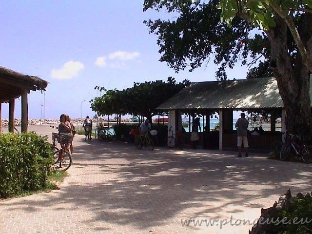 Port-La-Digue-2.jpg